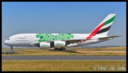 6103387 Emirates A380-800 A6-EOW Expo2020-colours CDG 03082018 Q1