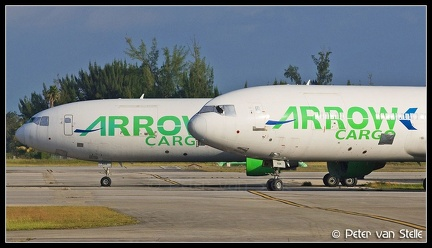 3015587-2006912 overview-ArrowCargo DC10-30F-noses OPF 13112011