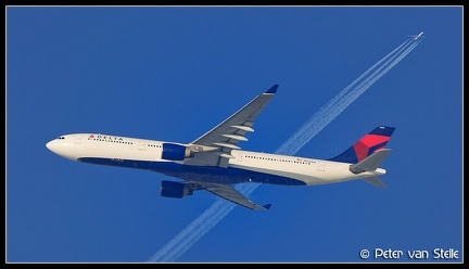 8000174 Delta A330-300 N802NW AMS 08122012