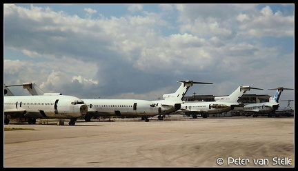 19930221    overview-ramp-ex-Panam-B727s MIA 30011993