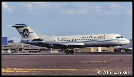 19970642 AmericaWestExpress Fokker70 N537YV  PHX 12061997